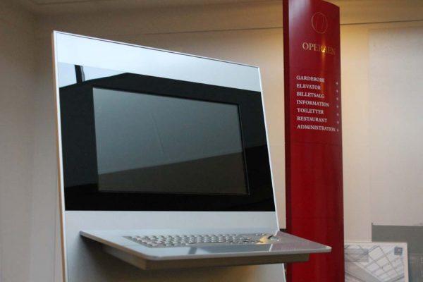 SIGNAMEDIA Digital Kiosk Indoor System