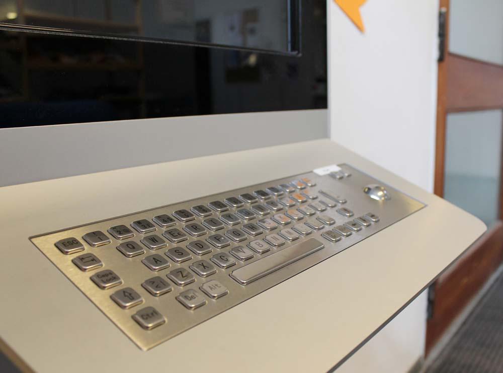 Vandalismus-sicheres Keyboard als Accessoires Digital Kiosk