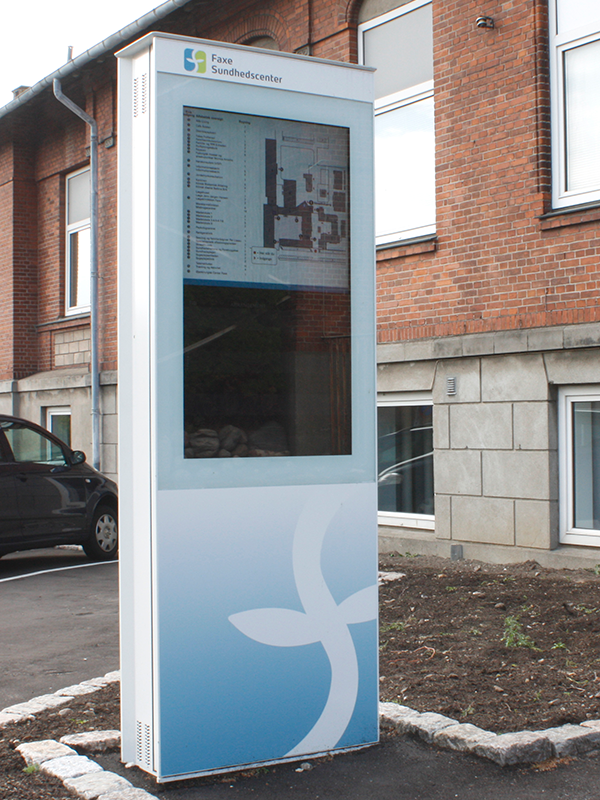 SIGNAMEDIA Digital Kiosk Outdoor Stele