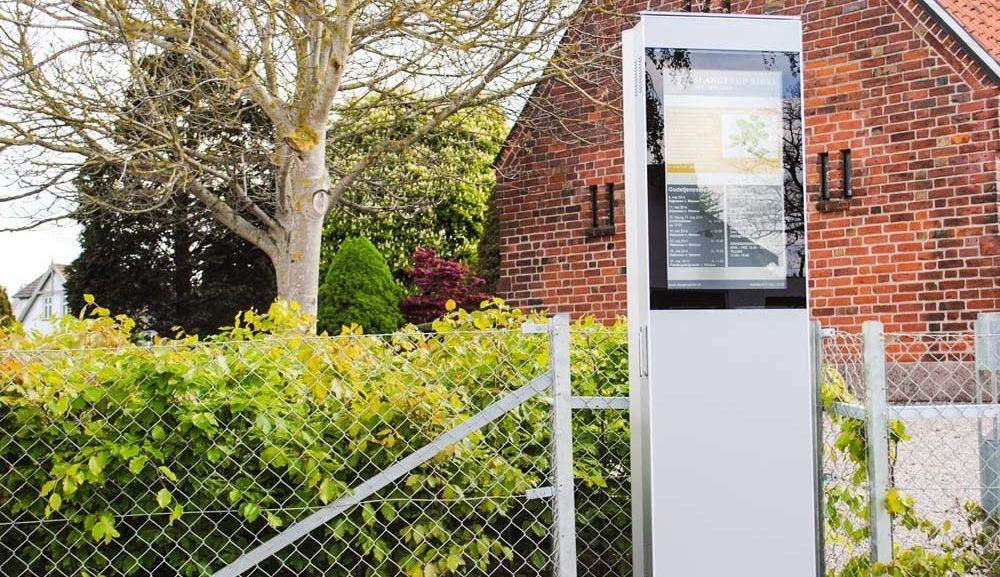 Digital Kiosk Outdoor Stele von SIGNAMEDIA Digitale Werbesysteme e.K. aus Gießen