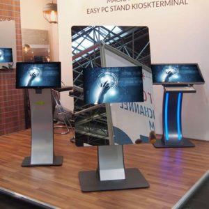 SIGNAMEDIA Digital Signage Spiegel - Standsystem, Quelle: WES Systeme Electronic GmbH, 61130 Nidderau, Deutschland