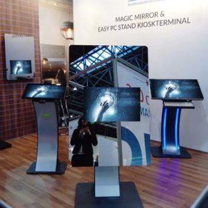 SIGNAMEDIA Digital Signage Spiegel - Standsystem
