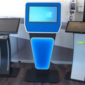 SIGNAMEDIA Self-Service-Terminal Standgerät V2, Quelle: WES Systeme Electronic GmbH, 61130 Nidderau, Deutschland